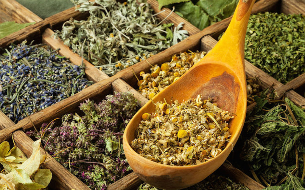 Evde Bitkisel Çay Paketleme İşii
